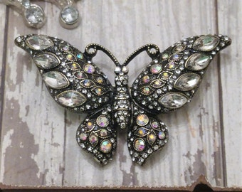 Wonderful Butterfly Rhinestone Pin / Brooch Mint condition
