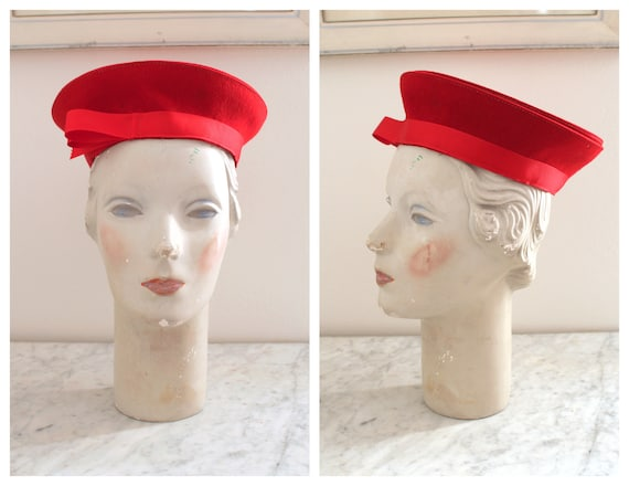 Vintage 1940s Red Beret Hat / 40s Red Wool Halo Ha