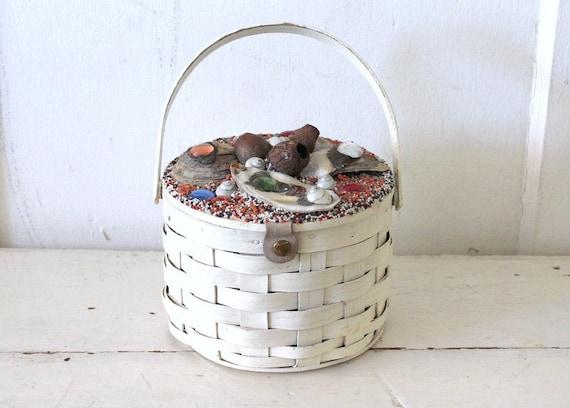 Vintage 1950s Round Wood Basket Purse / 50s Novelt