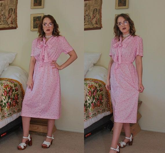 vintage 1970s pink floral secretary dress