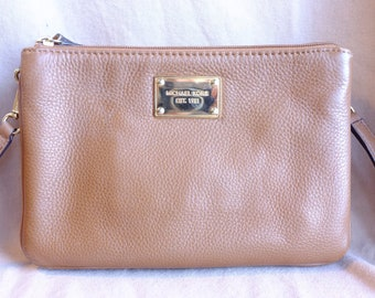 Vintage Michael Kors hazlenut cream brown leather purse 83612b49beb07