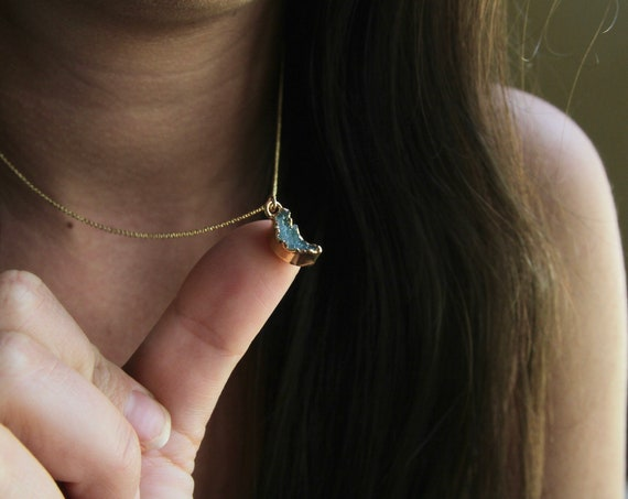 Druzy Moon Necklace | Tiny Moon Necklace | Druzy Moon | Tiny Druzy Necklace | Small Moon Necklace | Green Druzy | Half Moon | Crescent Moon