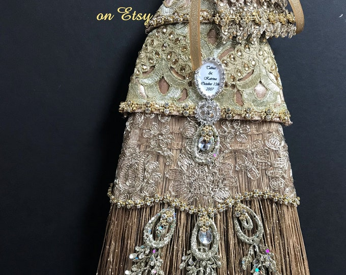 THE MAJESTIC a Premier Wedding Broom by ElvesFlorals