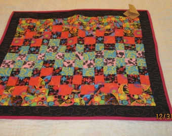 Crazy Daisy small quilt #6011