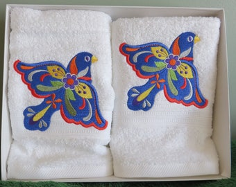Embroidered Folk Art Blue Bird Accent or Guest Towels