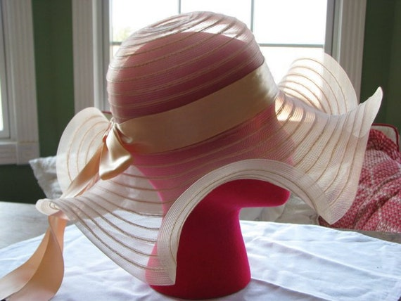 1970s | Vintage | Peach | Hat | with Peach Ribbon | Great Derby Hat!