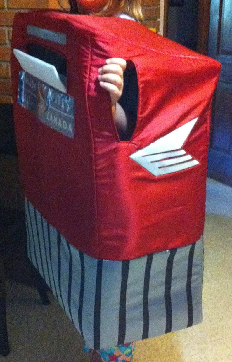 MAILBOX Canadian Costume
