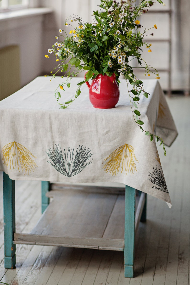 Lino block printed linen tablecloth Field image 0