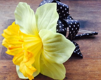 Daffodil Pin On Corsage, Yellow Mother's Corsage, Daffodil Wedding, Spring Wedding, Moms Corsage, Daffodil Corsage, Womans Corsage
