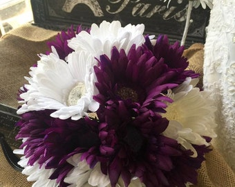 Purple White Daisy Bouquet with Boutonniere, Purple White Wedding Bouquet, Purple White Bouquet, Purple Daisy Bouquet Gerbera Daisy Bouquet