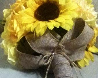 10 piece Yellow Sunflower Bridal Bouquet Sunflower Wedding Flower Set, Sunflower Burlap Bouquet, Rustic Wedding, Yellow Bouquet Bridesmaid