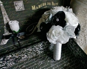 Silver Black White Rose Wedding Bouquet with matching Boutonniere, Silver Black Bridal Bouquet, Silk Flowers, Silver Bouquet