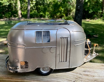 Metal Retro Camper Planter Gift, Gardening Decor, Retro centerpiece, camper centerpiece, RV Camping Decor, silver camper, Happy camper
