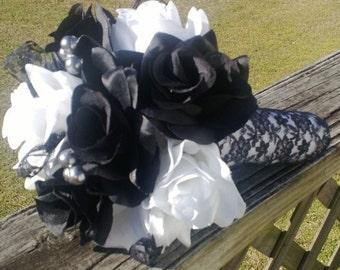 Black White Vintage Style Lace Wedding Bouquet, Black White Rose Bridal Bouquet, White Black Lace Bouquet, White Black Wedding Bouquet