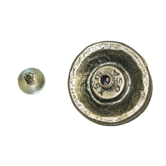 """Antique Nickel Medieval Shield Concho 1.25/"""" 32mm"""
