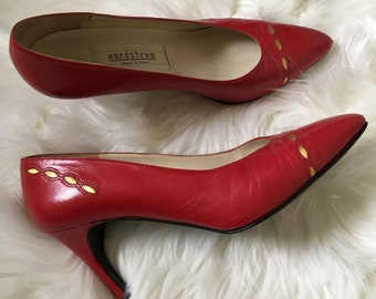 5681baffb74 nordstrom leather pumps w  gold detail - size 8