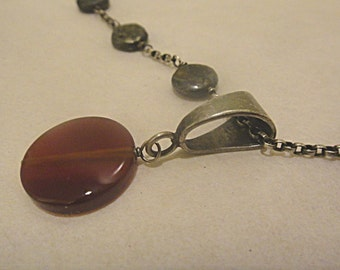 Lovely Vintage Sterling Rolo Chain Necklace with Carnelian Disk Pendant On Sterling Bail (282)