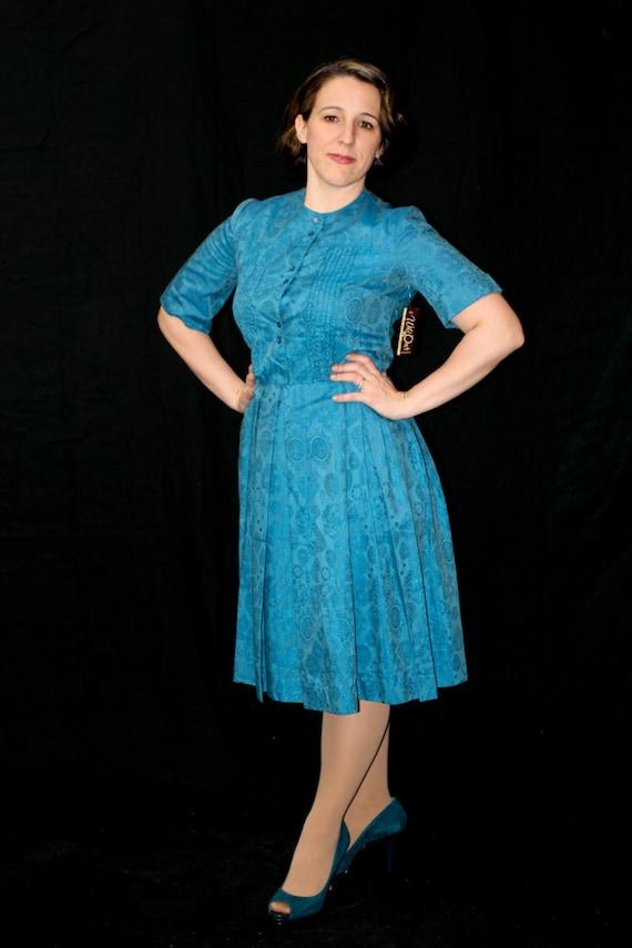 50's Vintage Coquette Shirt Waist Day Dress in tea