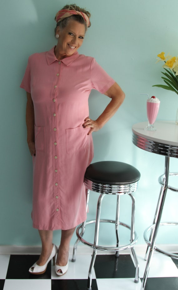 1970's Casual Pink Button Front Shift Dress