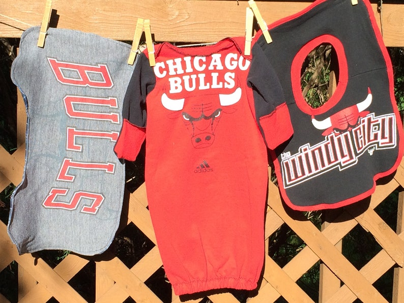 new arrival 72314 b4da9 Chicago Bulls Baby Shower Gift Set basketball vintage t-shirt Newborn  nightgown baby boy coming home outfit baby girl clothes new baby gift