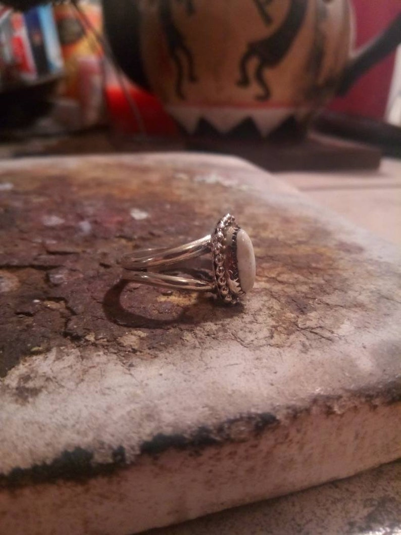 Size 7 Navajo Native American Southwestern sterling silver white buffalo double band silver beads ring