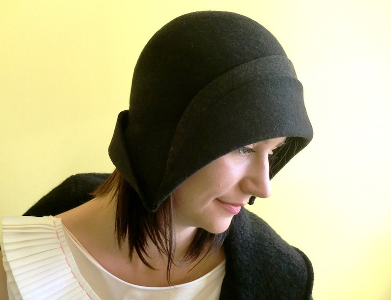 a5b7064d83e Women hat handmade black felt cloche hat 1920. Autumn Winter