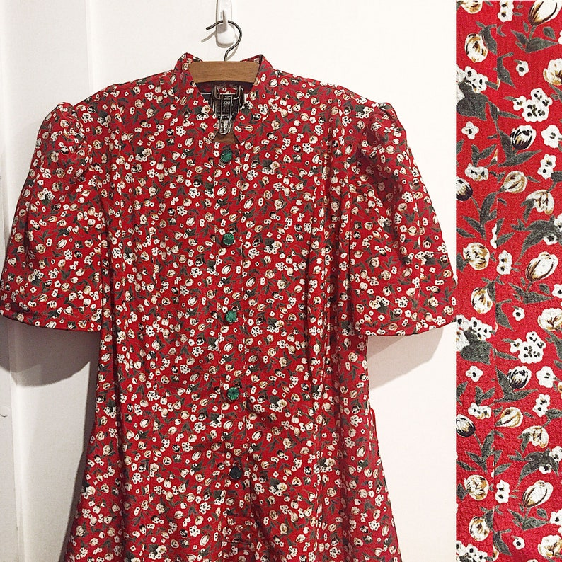 b271d76810d4ff Vintage red ditsy floral tea dress 1930s 40s style