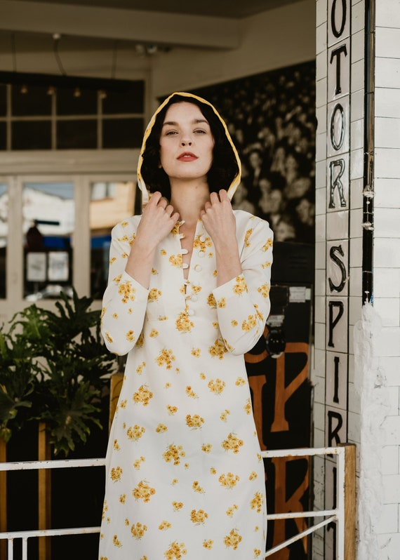 1970s Cream Hooded Dress Golden Floral Ditsy Crepe