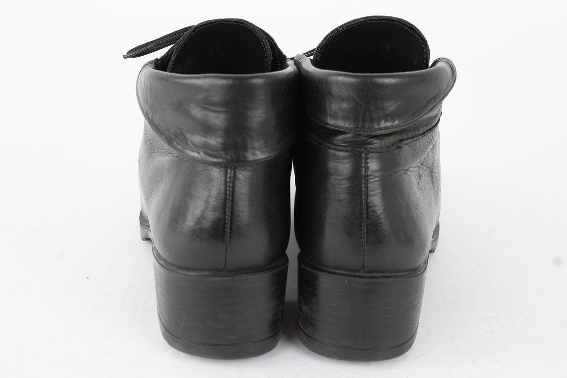 US7 Vintage 90s Black Leather Laced Up Block Heel Elegant Ankle Boots for Women size EU 38 UK 5 US 7