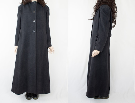 1970s Vintage Dark Grey Wool Winter Coat Overcoat