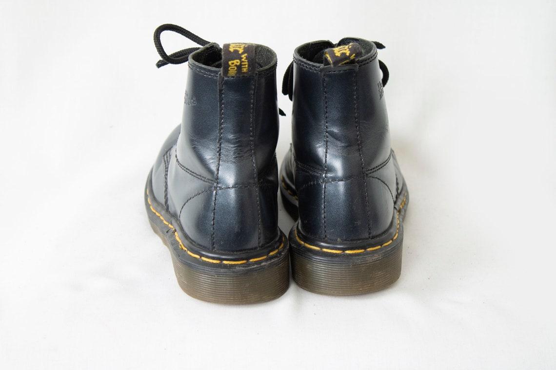 US4 Dr Martens Vintage Metallic Plata Azul Cuero Doc Martens Botas EU35 / US4 / UK2 para mujeres
