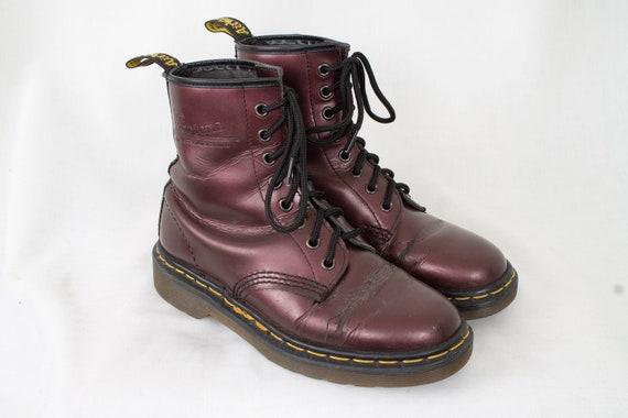 US6 Vintage Dr Martens lila glänzende Leder Doc Martens Stiefel EU37 US6 UK4 für Frauen