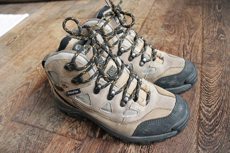 d7de573dc5614 1990 Vintage (Quality item) Brown Mountain Hiking boots