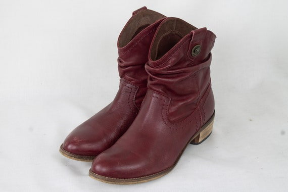 US7.5 Burgundy Vintage Ankle Boots for Womens / We