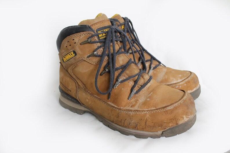 638ea57a63f67 Vintage Camel DeWalt Work Boots Hydrogen Tan Leather Steel Toe Safety Work  Boots EU41 / UK7 / US7.5
