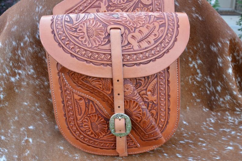 fce4dc1383 Sacoches de selle Western en cuir repoussé à la main | Etsy