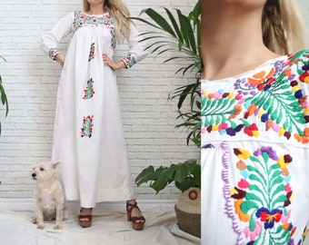 Vintage 60s 70s OAXACAN Maxi Dress Mexican Long Sleeve Hand Embroidered 70's Floral Cotton Handmade Artisan Hippie Boho Wedding White Small