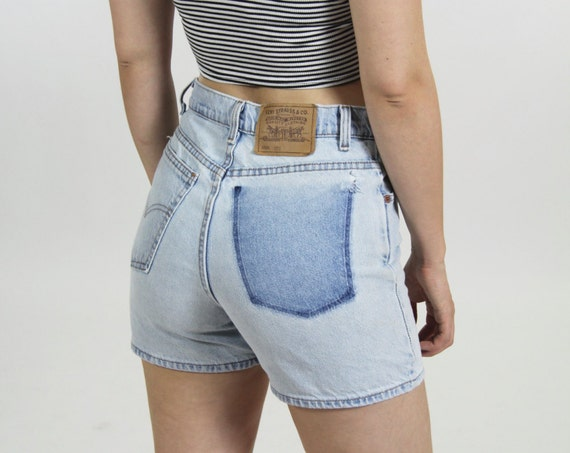 Levi's High Waisted Denim Jean Shorts  Light Wash Vintage Women's  Size 29