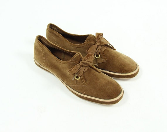 1950's Deadstock Women's Brown Velvet Low Top Summer Shoes Vintage Size 5.5
