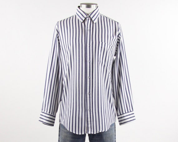 Striped Blue & White Shirt Vertical Striped Button Down Men's Size Medium Made in USA