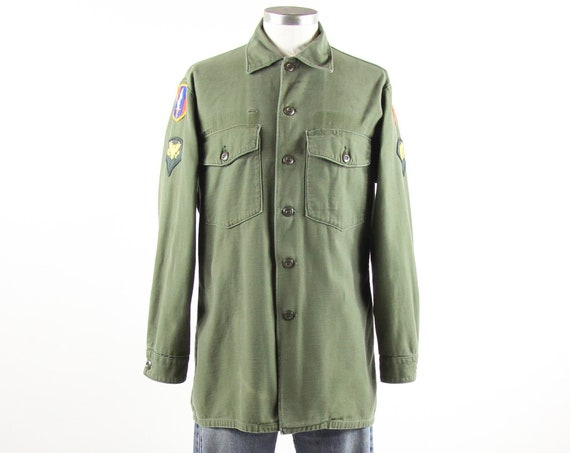 Men's Military Shirt Vintage Fatigue Green Army Button Down with Patches Long Sleeves Size Medium Large