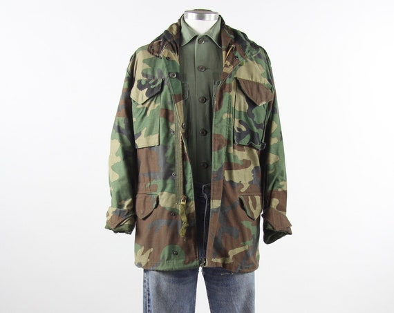 Camo Army Coat Men's Military Thick Cold Weather Army Field Jacket Vintage Size Small / Zip Hood / 4 Pocket