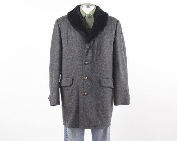 70's Grey Men's Wool Overcoat with Black Faux Fur Collar Vintage Size 42 Large