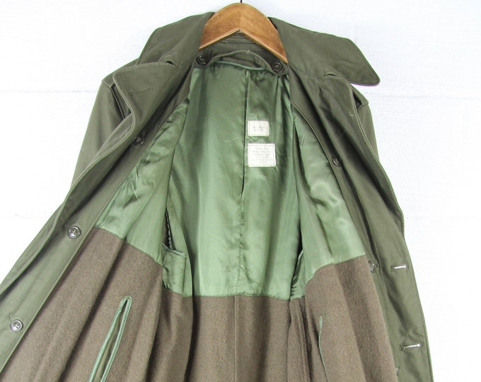 LINED Military Trench Coat Vietnam Army Green Thick Heavy Vintage Military Jacket Size Small / Medium