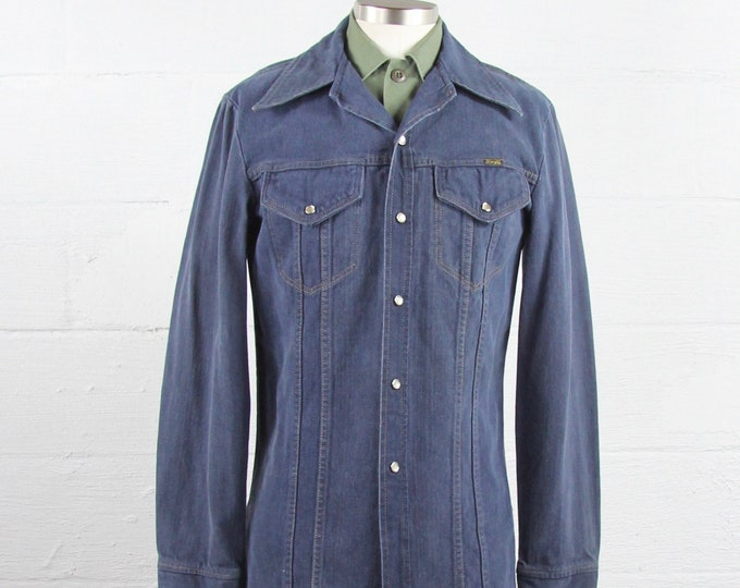 Wrangler Denim Shirt 70's Vintage Jean Snap Button Up Western Pearl Shirt Jacket Navy Chambray Made in the USA Size Medium