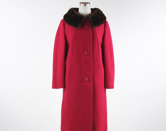 Women's Wool Red 50's Button Down Winter Coat with Fur Collar Vintage Size Medium Union Made