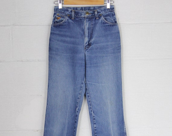 Women's Wrangler Vintage Jeans High Waisted Straight Leg Light Wash Western Denim Size 28 Size 11