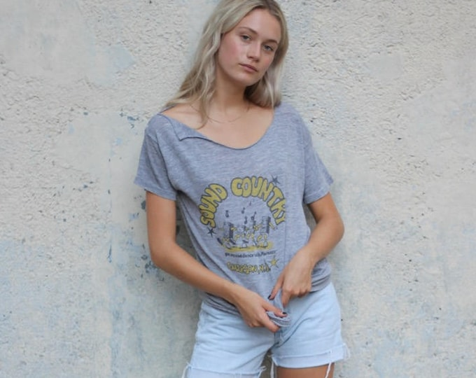Gray Distressed Sound Country Get Up and Dance with Marantz Emerson NJ Super Soft Paper Thin Tee