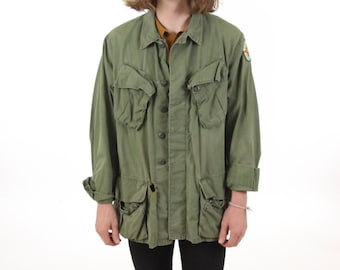 Men's Vietnam Military Field Jacket Distressed Olive Green Vintage Size Medium Large Beatles Sgt. Pepper's Lonely Hearts Club Band