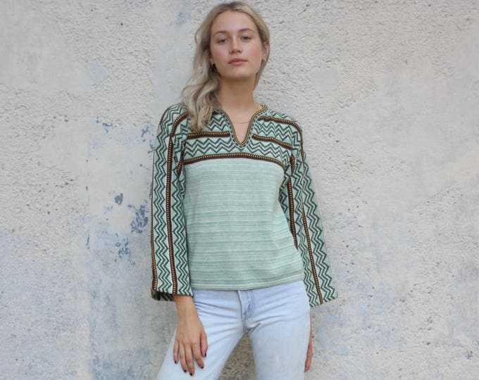 Bell Sleeve 70s Green Patterned Boho Sweater Medium Small Psychedelic Earth Tones Pullover